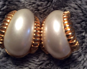 Pearl beaded clip on earrings 1-1/2 in