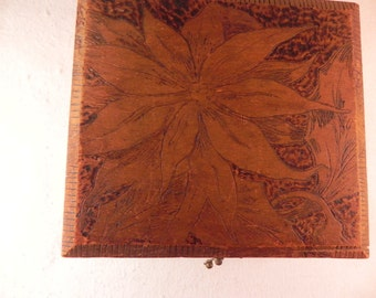 Vintage Wood Box Pyrography/Woodburning Box Flemish Art Company NY #688 Design