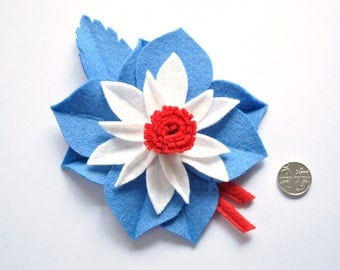 NEW** 1940s wartime make do and mend style patriotic flower corsage brooch