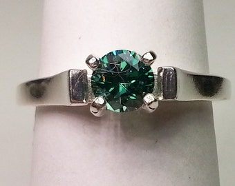 Blue Green Cubic Zirconia Sterling Silver Ring .95 cts  Size 7