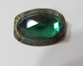 Emerald green glass faceted brooch; vintage