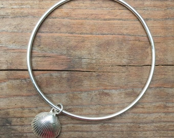 Sterling silver bangle with seashell, seashell bracelet