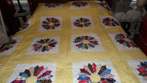 Vintage Pointed Circles Feedsack Quilt