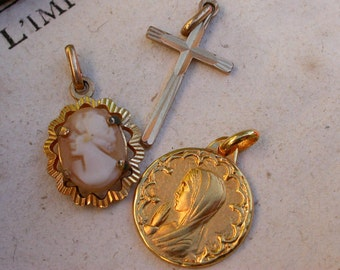 2pcs religious 18k gold vermeil  gold medal Hand carved cameo antique jewelry signed medal