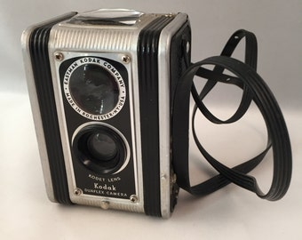 Kodak Duaflex Camera, Kodet Lens, Eastman Kodak Co, Made in Rochester, NY USA