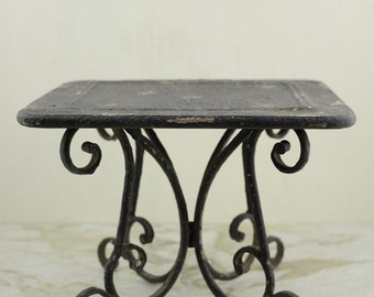 Metal Cake/Pedestal Stand, Metal Cake Stand     Simply Beautiful