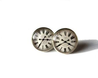 Vintage clock earrings, Clock Earrings, stud earrings, Clock Post earring, clock face, clock jewelry, old clock earrings