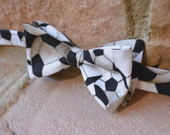 Soccer Print-mens bow ties, bowties for men, bow ties for kids, bowties for boys, toddler bow tie