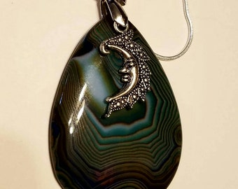 Blue onyx agate stone raindrop pendant necklace jewelry with silver moon charm