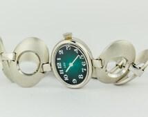 Vintage Ladies Lov Manual Wind Oval  Green Dial Wrist Watch 17 Jewels