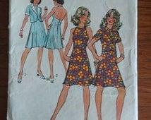 "B34"" 70s glam- halter dress Simplicity 5471 - short jacket cut pattern for seersucker denim"