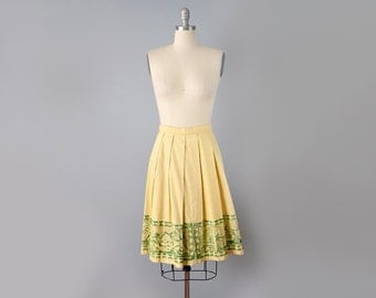 50s Skirt // 1950's Ochre Cotton Canvas Pleated Skirt with Screenprinted Tahitian Scenes // Small