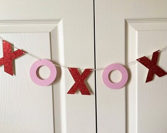 XOXO Banner/ Hugs and Kisses Banner/ Valentine's Day Banner/ Love Banner/ Glitter XOXO Banner