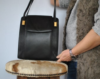Vintage BORELLA leather bag ....(291)