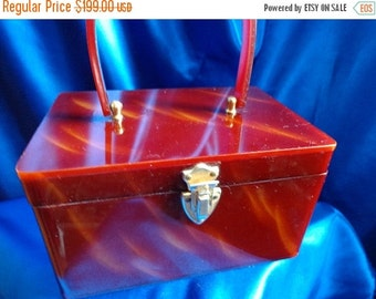 SALE VINTAGE Wilardy Tortoise Swirl LUCITE Box Purse with Gold Metal Trim B31