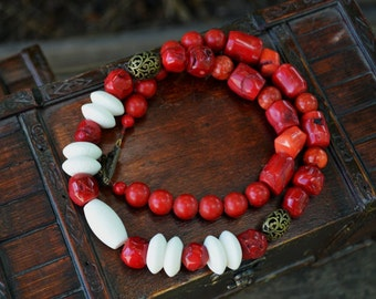 Red White Necklace Natural Stone Necklace Ukrainian Coral Necklace Chunky Stones Necklace Simple Coral Necklace Beaded Necklace Korali