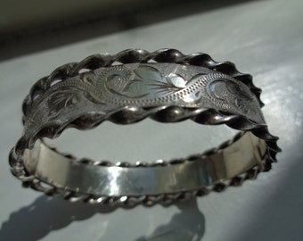 Vintage English Sterling Bangle Bracelet