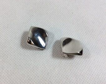 Vintage silver earrings Vendome clip on fitting 1960s sleek modernist styling [ref 0100]