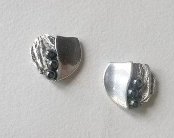 Modernist sterling silver and pearl stud earrings, Sweden (F419)