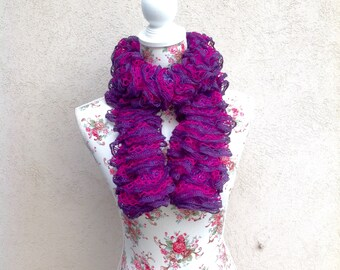 Scarf purple and fuchsia tones rippled with volant- Frilly scarf - purple and fuchsia boa - net yarn scar