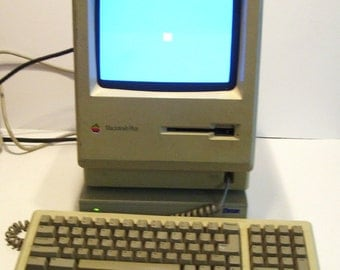 1986 Apple MacIntosh Plus Computer with Keyboard , External Hard Drive , Cables