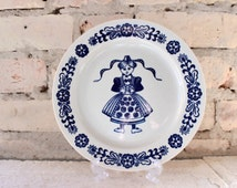 vintage wall plate, blue white kitchen decor,folk,cottage style,stoneware,colditz,gdr,eastern germany