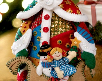Bucilla Patchwork Santa ~ Felt 3D Christmas Home Decor Kit #86206 DIY