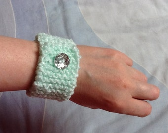 Sparkly Wrist Cuff, Green Bracelet Cuff, Yarn Bracelet, Woolly Bracelet, Hand Knit Bracelet, Hand Knit Jewelry, Yarn Jewelry, Gift for Her