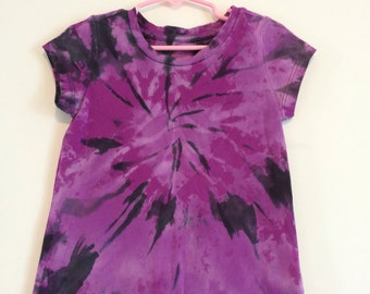 Purple hyperdrive tie dyed top XS 4/5