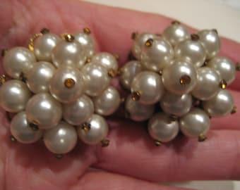 Big Beautiful Vintage Cluster Pearl Clip On Earrings