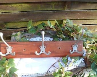 Wooden coat rack/3 hooks