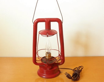 """Antique 1915 Rayo Red Lantern No. 75 """"Hot Blast""""- WORKING Electric Lamp- Converted to Electric in 60's/70's- Charming Rustic Lamp!"""