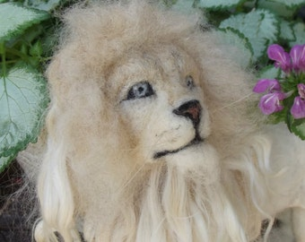 Needle felted Lion, Needle felted White Lion, Felted white lion