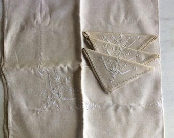 Vintage Beige Decorative Linen Tablecloth & Matching Napkins