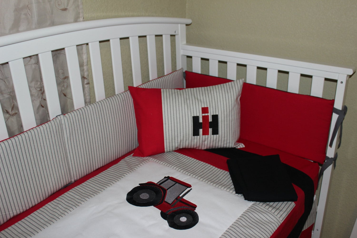 Farmall Tractor Bed Set : Crib bedding set international harvester piece case