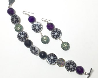 Flowered bracelet with matching earrings