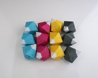 Bascettini - Geometric Origami Tree Decoration in bold CMYK colours, 12 pieces