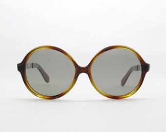 round sunglasses, oversized glasses, 70s eyewear, vintage frame