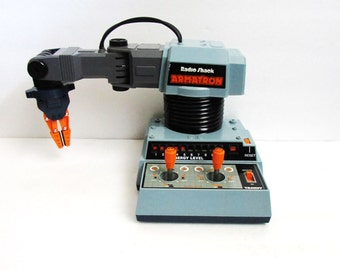 Armatron By Tandy, Battery Operated Robot Toy, Radio Shack 1984