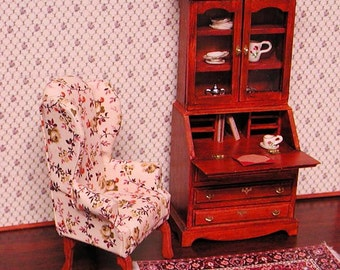Miniature Chippendale secretary desk with 3 working drawers, blotter, hutch with opening doors, 3 shelves. 1 to 12 dollhouse scale.