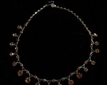 Champagne coloured, amber prong set, 50's diamente necklace