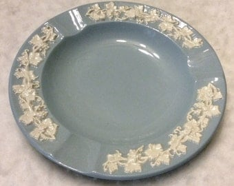 Wedgwood embossed Queens ware ivy on blue ashtray free ship