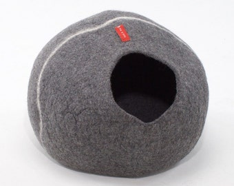 Luxury Pet Beds Machine Washable Igloo and Cave Cat Beds SOGNO BED - Cat Cave Bed