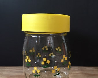 Vintage carlton glass jar and lid from 1982