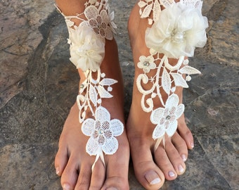 Flowers Barefoot sandals..white lace wedding barefoot .beach wedding accessories bridesmaid gift.. bride lace anklets