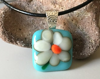 Spring Daisy fused glass pendant