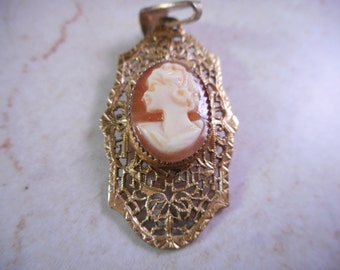 Vintage Cameo Necklace Pendant 12 KT Gold Filled