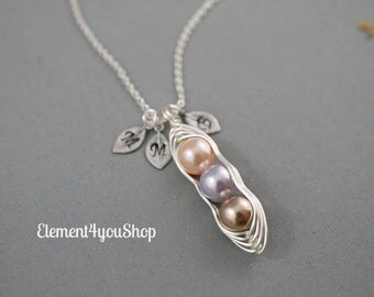 Sweet pea in pod necklace 1 2 3 4 5 initials leaf charms Hand stamped alphabet Swarovski pearls birthstone Best Friend Sister Granmother