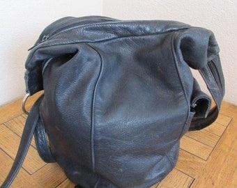Vintage Black Leather Backpack Handbag - Lovely!!