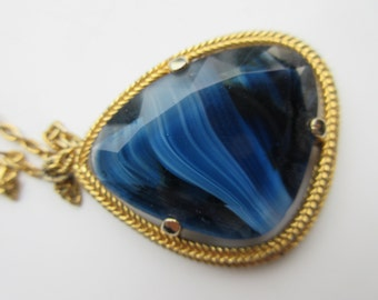 Lovely 1970's Blue Stone Necklace - Very Cute!!